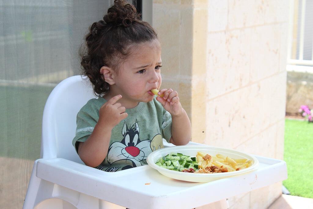 Guía para conocer el tamaños de las porciones alimentos en niños pequeños